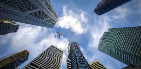 美的中央空调绿色高效智慧建筑解决方案,为新能源时代城市建设助力